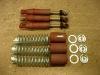 Wkłady amortyzatorów zostały przerobione na wkłady Kayaba, wgnioty na szklankach powyciągałem - można robić wykończeniówkę i lakierować.