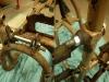 Podstawka centralna naprostowana, naprawione uszy i wzmocnione dodatkowymi tulejami stalowymi. Do tego wytoczona nadwymiarowa ośka z tulejami dystansowymi. Na foto widać także jeden z podnóżków po wspawaniu nowej rozety i postarzeniu wizualnym.