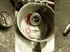 Czas na licznik. Oprócz zużycia wizualnego licznik ma wadę w postaci bardzo rozbitego miejsca łożyskowania głównego wałka napędzającego wirujący magnes. Wałek ma średnicę 7mm zaś otwór już 8mm. To powoduje ocieranie krążka magnetycznego o korpus. Jedyna opcja to rozwiert na 8,5mm i wykonanie 2 cienkościennych tulejek z brązu. Oryginalne zaprasowanie wałka na końcu trzeba przerobić na śrubkę.