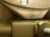 Niestety skrzynia wadzi o wspawaną przez kogoś kostkę na ramie. Trzeba ją zdemontować i podfrezować korpus.