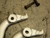 Klamki wymagały wytoczenia stalowych reperaturek i wprasowania w rozwiercone otwory. Bo jak widać oryginalne otwory były zupełnie rozbite.