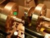 Obróbka bieżni simmeringu która miała fabryczne bicie 0,15mm i paskudną powierzchnię. Następnie wyważanie statyczne koła zamachowego...
