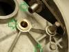 Zregenerowane łożyskowanie wałka zmieniacza biegów i nowa tuleja odbojowa kopniaka.