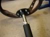 Kolumna kierownicy po renowacji. Wymyte i nasmarowane łożyska, lakier i dorobiona flansza adaptacyjna do kierownicy.