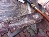 Usuwanie konserwacji z błotników. Przed piaskowaniem. Jak widać ktoś zaszpachlował nawet otwory na śruby  /   Removal of maintenance from fenders. Before sanding. ing. As you can see, someone put putty up the screw holes