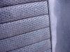 Oryginalne tapicerki to połączenie gładkiego skaju i skaju tłoczonego.  /  Original upholstery is made of smooth and embossed vinyl.
