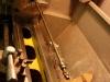 Wkłady amortyzujące podczas regeneracji - tutaj sprawdzanie i prostowanie prętów amortyzatorów.