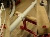 I końcowy podkład akrylowy. Teraz to już dobrze wygląda. Teraz mały szlif na mokro i można lakierować. Ostatnie foto - połączenie wzmocnień z ramą zostało uszczelnione elastyczną masą poliuretanową.