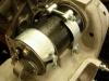 Pocynkowane elementy pozwoliły na ostateczny montaż prądnicy. Na stanowisku dała normowe 7A.