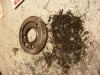 Czyszczenie odrzutników oleju - tu zbiera się cały brud z silnika. Po ich zapełnieniu brud jest pompowany od razu do łożysk wału.