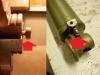 Regeneracja wkładu amortyzatora. Jak widać element odpowiedzialny za tłumienie jest wykonany paskudnie krzywo. W obu wkładach tak jest. trzeba to poprawić. Następna niespodzianka - nowa goleń a ma źle wykonane otwory spustowe - brak przelotu. Trzeba nawiercić nowy dodatkowy otwór a na koniec zaspawać.