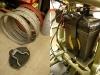 Nowe felgi wypiaskowane aby usunąć marny lakier chiński. Dorobiony uchwyt akumulatora.
