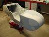 Po wykonaniu wszystkich niezbędnych otworów gondola została zapodkładowana. Następnie zgrzewy doszczelniłem masą poliuretanową PU50. Teraz czas na prace szpachlarskie.