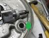 W obudowie dyfra rozbity otwór rozpieraka został rozwiercony i wprasowałem wytoczoną nową, stalową tuleję.