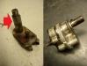 Wałek zmieniacza biegów ktoś przerobił ze stożka na walec, podobnie lizak. Z 3 pomp olejowych 2 to trupy z ogromnymi luzami na ośkach, trzecia - być może nowa - jest niezła.