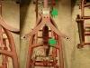 Standardowo po skasowaniu luzów okazało się, że uchwyt siodła w ramie jest krzywo wspawany. Trzeba ciąć i korygować kształt samolotu. Na foto także korekta tylnych suwaków - sztyce były zbieżne górą na 4mm!