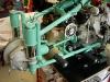 Silnik zainstalowany w ramie. Motocykl na stole ostatecznego montażu.
