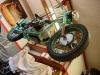 Czas na zdjęcie motocykla ze stołu.  Motocykl będzie oddany do Inwestora na kołach tymczasowych.