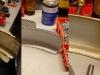 Sposób zabezpieczenia błotników od spodu - grubo lakier srebrny, potem zalanie woskiem zagięć błotników.