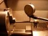 Podczas dystansowania skrzyni biegów okazało się że wałek zmieniacza jest krzywy. Trzeba prostować.
