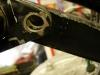 Mocowanie płaskownika kotwiczącego tylny hamulec  - rozbite. Będzie to trudne w naprawie przez słaby dostęp.