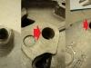 Uszkodzone otwory pod śruby w deklu, zużyty otwór kopniaka w bloku silnika, zużyty otwór kopniaka w deklu.