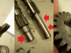 Wodzik prawie odpada od ramienia, wałki skrzyni powycierane na 0,15mm w miejscach współpracy z tulejami.