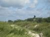 Doskonałym miejscem na pomnik okazały się wydmy na plaży