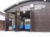 W oddzielnej hali mieści się ekspozycja świeżo odrestaurowanych tramwajów.